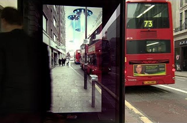 L'abribus et la réalité augmentée : une pub totalement tarée