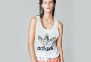 Adidas Originals crée une mini collection avec Topshop