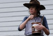 En hommage à Carl (The Walking Dead), il ingère 5 kilos de pudding