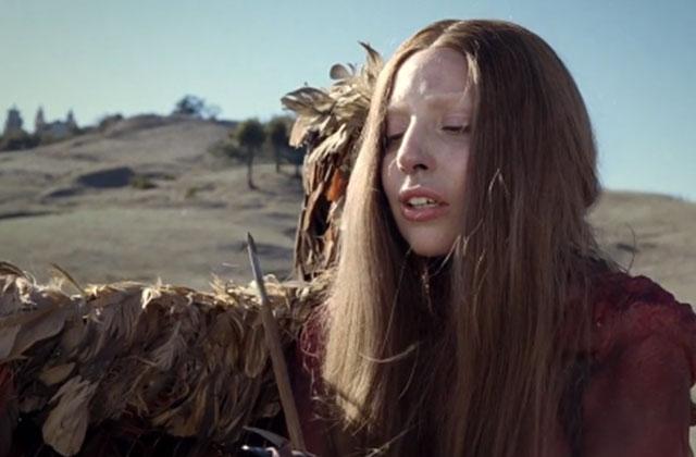 G.U.Y., le nouveau clip barré de Lady Gaga
