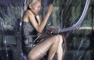 Lien permanent vers La mannequin sous vide d'Iris Van Herpen – WTF Mode