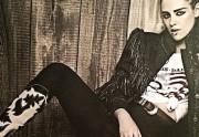 Lien permanent vers Kristen Stewart prend la pose pour Chanel