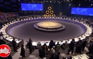 Lien permanent vers Au sommet de La Haye, les serveuses seraient une «distraction »