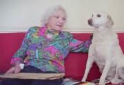 Lien permanent vers Une centenaire raconte son histoire d'amour avec son époux décédé