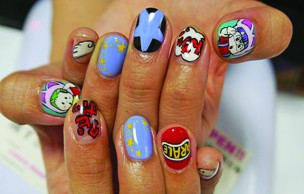 Les nail-arts manga complètement dingues d'Ita Color's Yellow