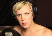 Les Pomplamoose reprennent I Feel Good