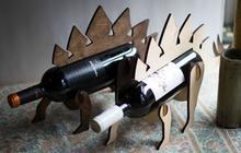 Le porte-bouteille dinosaure, pour pimper n'importe quel dîner