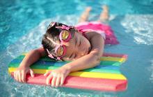 Top 10 des gens gonflants à la piscine