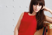 Lien permanent vers Zooey Deschanel crée une mini-collection de robes pour...