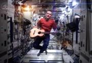 Lien permanent vers Un astronaute chante « Space Oddity » de Bowie dans l'espace