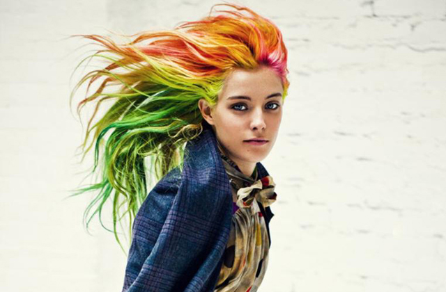 Cheveux arc-en-ciel : mode d'emploi et entretien