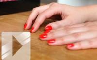 Tuto Beauté Vidéo — Comment réaliser une manucure de pro à la maison ?