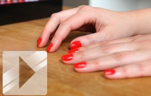 Lien permanent vers Tuto Beauté Vidéo — Comment réaliser une manucure de pro à la maison ?