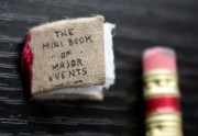 Lien permanent vers The Mini Book of Major Events, un adorable livre miniature