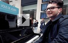 Olympe nous joue «C'est facile » au piano