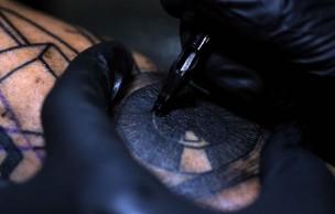 Lien permanent vers Le tatouage en slow-motion, une nouvelle vidéo qui picote