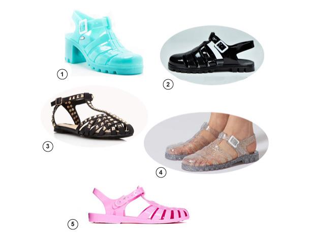 8a5ec6566 Les sandales en plastique de notre enfance font leur grand retour et ...