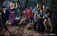 Claudia Schiffer fait son retour sur la scène mode pour Dolce & Gabbana