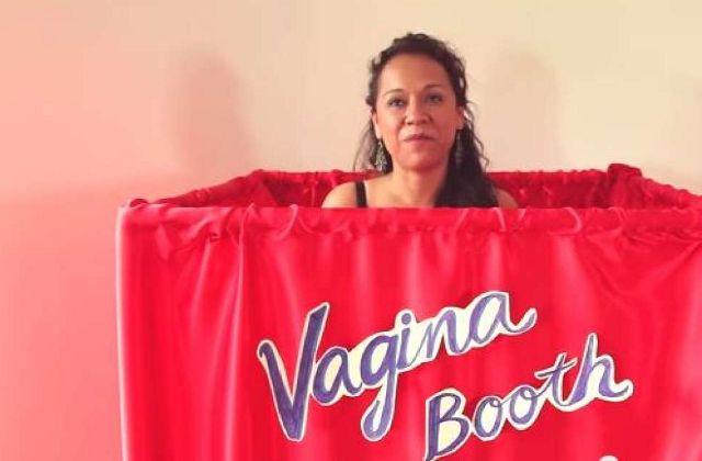 Des femmes découvrent leur propre sexe