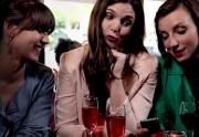Lien permanent vers Love Me Tinder, la vidéo d'Eleonore Costes et Aude Gogny-Goubert pour Golden Moustache