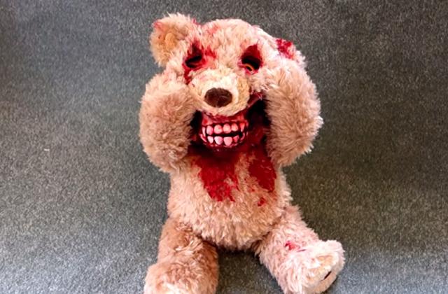 L'ours en peluche animé venu de l'Enfer