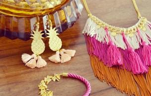 Lien permanent vers Poupée Rousse et ses bijoux folkloriques