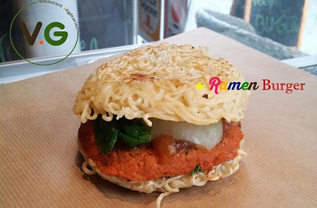 Le Ramen Burger Végétarien : goûtez au WTF chez VG !