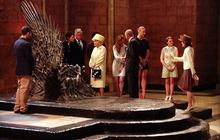 Game of Thrones : Elizabeth II devant le Trône de Fer