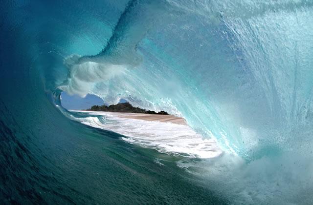 L'intérieur des vagues, les photos fascinantes de Clark Little