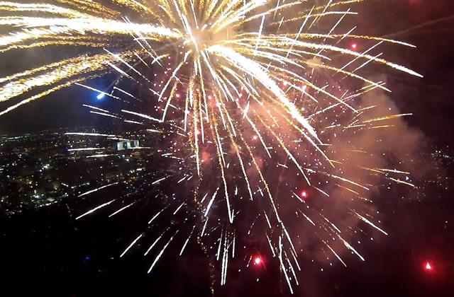 Un feu d'artifice vu d'un drone : l'instant bôôôté du jour