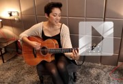 Kina Grannis - « Dear River » en acoustique
