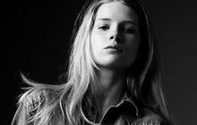 Lottie Moss (la soeur de Kate) mannequin pour Calvin Klein Jeans x MyTheresa