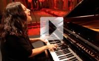 NACH chante « Coeur de pierre » en piano-voix