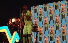 Omar Sy chante Papaoutai de Stromae