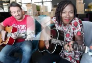 Lien permanent vers Asa chante « The one that never comes » en acoustique