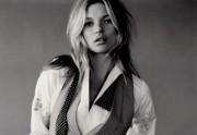 Lien permanent vers Un sein de Kate Moss devient une coupe de champagne