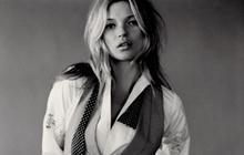 Un sein de Kate Moss devient une coupe de champagne