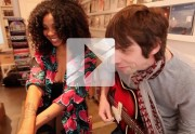 Lien permanent vers Hollie Cook chante « Tiger Balm » en acoustique