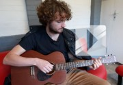 Lien permanent vers Sam Amidon chante « Short Life » en acoustique