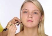 3 tutos vidéo pour apprendre à camoufler son acné