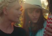 Aspirational, un court-métrage avec Kirsten Dunst sur les selfies avec des stars