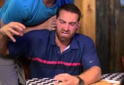 Tous les clichés pénibles au restaurant en vidéo