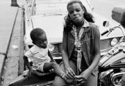 Lien permanent vers Des filles badass à moto dans des photos vintage