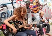 Lien permanent vers Flavia Coelho chante « Por Cima » en acoustique