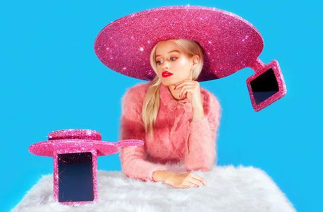 Le « Selfie-Hat » de Christian Cowan-Sanluis x Acer — WTF Mode