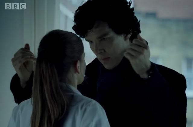 Benedict Cumberbatch imagine Sherlock au lit : sortez les glaçons