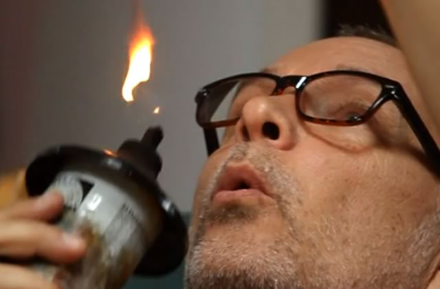 Steve Spazuk, l'homme qui peint avec du feu