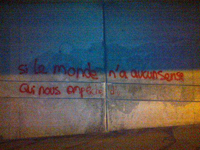 Lausanne, mur, 16.09.14 à 1h51am_aurore