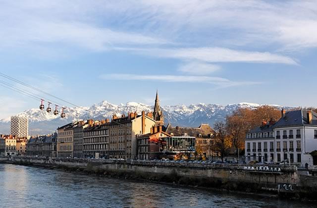Grenoble se débarrasse des pubs dans l'espace urbain
