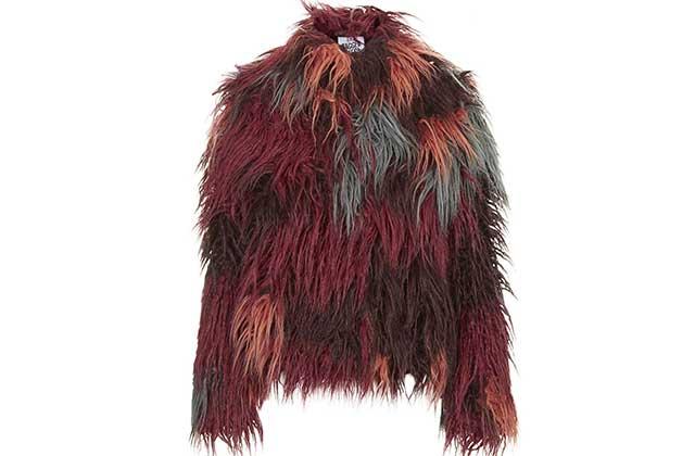 Le manteau monstrueusement poilu de Topshop – WTF Mode